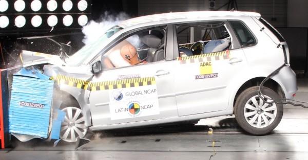 Crash test frontal com acionamento do air bag