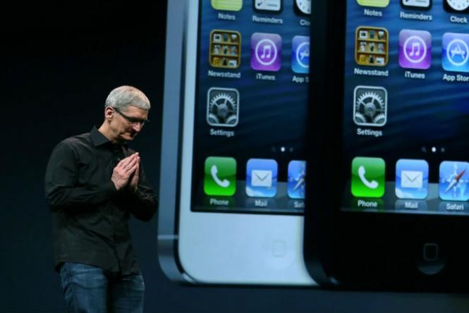 Tim Cook, CEO da Apple, se desculpa com usuários do iOS 6